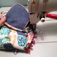 Photo Tutorial: Blanche - Swoon Sewing Patterns Bag Pattern Free, Barrel Bag, Photo Tutorial, Cotton Bag, Baby Car Seats, Purses And Bags, Baby Strollers, Diy And Crafts, Sewing Patterns