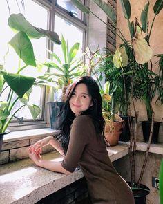 """""""민유라의 몰락""""... '황후의 품격' 이엘리야 평소 모습은? (사진 10장)이엘리야,민유라,황후의품격 Korean Beauty, Asian Beauty, Asian Woman, Asian Girl, Selfies, Bright Eyes, Korean Actresses, Korean Celebrities, Kawaii Girl"""