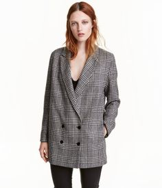 Black/houndstooth. Long, double-breasted jacket in houndstooth-patterned wool-blend fabric. Long sleeves with buttons at cuffs. Lined.