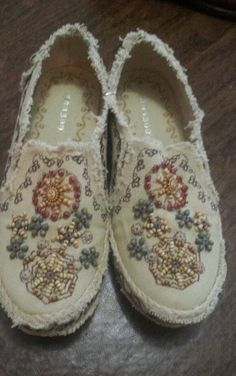 Bamboo Tan In Color Womens Slip On Shoes With Beads Size 6 and 1/2 Aztec Style in Clothing, Shoes & Accessories   eBay