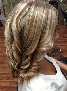 I like this color....but I think my hair is too dark for it! :/