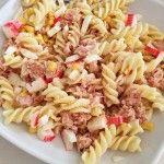 ensalada-de-pasta-con-atun-maiz-surimi-huevo