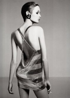 Twiggy photographed by Richard Avedon in 1967