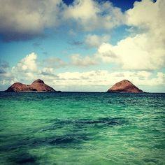 Lanikai Beach, Oahu. with Rabbit Island and Chinaman's Hat