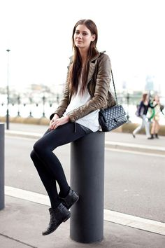 Model-Off-Duty: Taupe Leather Jacket In Australia