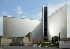 Igreja de Sta. Maria arquitetura moderna.