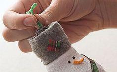 Ako Vyrobit Vianocna Vyzdoba Vianocne Dekoracie Postup 3 Fingerless Gloves, Arm Warmers, Decoupage, Christmas Ornaments, Halloween, Holiday Decor, Home Decor, Fingerless Mitts, Homemade Home Decor