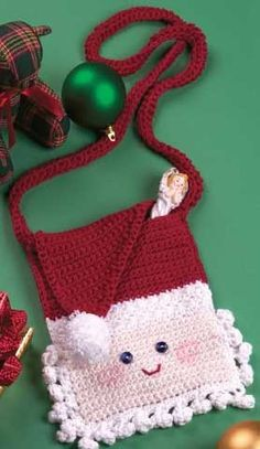 Santa Purse free crochet pattern - Free Santa Crochet Patterns - The Lavender Chair