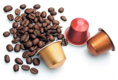 Coffee capsule machine is a new type of coffee making machine suitable for home and office use. Featured by easy operation and delicate design, capsule coffee machine has enjoyed wide popularity. Coffee Making Machine, Coffee Machine, Coffee Maker, Nespresso, Bilbao, Starbucks, Latte Macchiato, Coffee Culture, Baking Cups