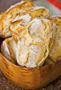 Es gibt nichts schöneres als vom Duft frischer Morgenbrötchen geweckt zu werde… There is nothing better than being awakened by the scent of fresh morning rolls! The latest issue of Nooz Magazine is all about bread. Bacon Breakfast Sandwiches, Grill Breakfast, Frozen Breakfast, Gourmet Sandwiches, Gourmet Breakfast, Make Ahead Breakfast Sandwich, Homemade Breakfast, Breakfast Potatoes, Pampered Chef