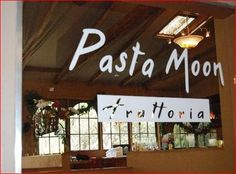 Pasta Moon Ristorante & Bar in Half Moon Bay offers a delicious menu of Italian cuisine that includes organic local produce, seafood shipped from around the world, hand-cut pastas, chicken and steaks cooked in a wood-fired oven.