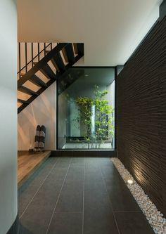 Trendy Home Plans Modern Interiors Ideas Modern Entrance, House Entrance, Grey Interior Design, Interior And Exterior, Porche, Modern Staircase, Japanese House, Trendy Home, Minimalist Interior