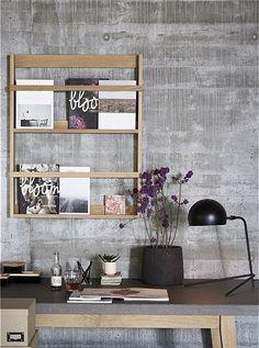 Zeitschriftenregal von HÜBSCH Interior