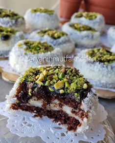 Image may contain: food Cookie Recipes, Vegan Recipes, My Pie, Turkish Recipes, Mini Desserts, Desert Recipes, Food Design, Yummy Cakes, Bakery