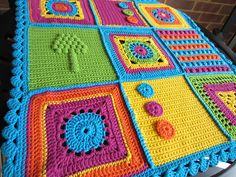 Love this baby blanket!  http://www.ravelry.com/projects/CrochetWorks/blue-dahlia