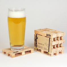 'Palette it' is designed by the Barcelona based Labyrinth design team. The Euro palette coasters - come in a set of 4 - make a perfect presentation for all kind drinks, wine, beer, fruit spritzers, sorbets and cocktails. The Coasters, Mini Pallet Coasters, Wooden Coasters, Drink Coasters, Euro Pallets, 1001 Pallets, Wooden Pallets, Pallet Wood, Design Shop