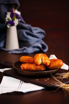 Rulouri calde cu dovleac, rumene ca obrajii unei tinere copile mângâiaţi de razele blânde ale soarelui! Pofteşte şi serveşte!  #sweet #sweetdelights #sweetmoment #takeabreak #takeamoment #enjoy #rolls #pumpkin #pumpkinrolls #food #foodart #foodporn #inspiration #foodinspiration #dessertinspiration #goodfood Food Porn, Dairy, Cheese, Treats
