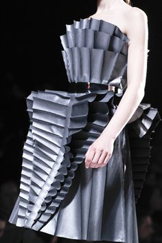 Viktor & Rolf | Fall 2011 Ready-to-Wear Collection | Style.com