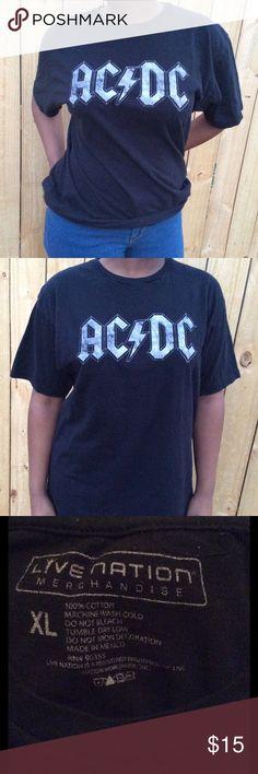 AC/DC 100% Cotton Merch Tee XL XL teeshirt 100% cotton. The model wearing the XL tee-shirt is a size medium Live Nation Tops Tees - Short Sleeve