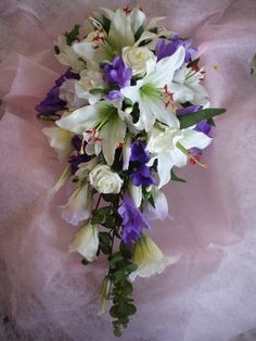 Teardrop Flower Arrangement | Click image to enlarge