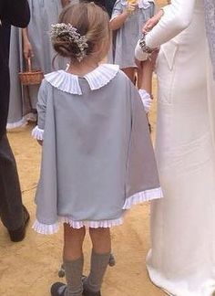 Capita arras y vestido de Ma Petite Wedding With Kids, Stylish Kids, Kind Mode, Clothing Patterns, Baby Dress, Boy Outfits, Marie, Look, Kids Fashion