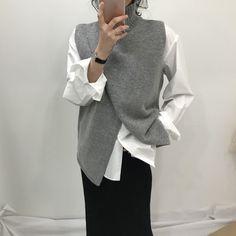 Korean Fashion Overlap Sleeveless Sweater Vest Sweaters Fashion 2018 Women Turtleneck Sweater Jumper Knitted Pullover Sweater – Ali Explorer - Women's style: Patterns of sustainability Ärmelloser Pullover, Pullover Sweaters, Jumper, Winter Sweaters, Sweaters For Women, Vest Pattern, Vest Outfits, Knit Vest, Fashion 2018