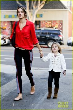 alessandra shops the day away with anja 02