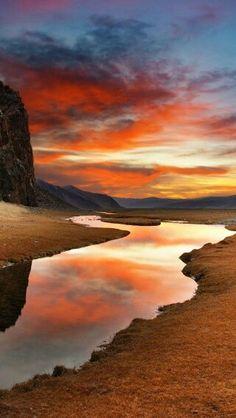 Atardecer. Desierto de Gobi. Mongolia.