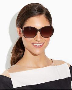 Glam Rounded Sunglasses Fashion / Lentes de sol chic http://noviaticacr.com/chic-bajo-el-sol-lentes-de-sol-para-esta-temporada/ #BlackFriday #BlackFridayDeals