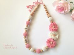 Fashion crochet bead necklace with flowers roses pink and cream colour / nursing necklace / Teething necklace / ECO / Organic necklace