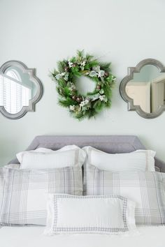 holiday decor for the bedroom || via Style Me Pretty Living