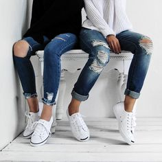 "@c.phraph en Instagram: ""@vis_a and I kicking back in our converse thanks to @shoesdotcom!! #soleseeker  Btw, how rad is my new jeans from @blanknycjeans ""Vodka Diet Pant""!?! #blanknyc """