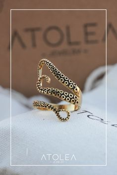 Be connected with the ocean and all the marine animals under with this simple yet dainty gold octopus rings. Wear these everyday, in and out of the sea.