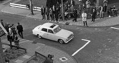 Peugeot 403 (GD-60-04?), Apeldoorn 1967   by Tuuur