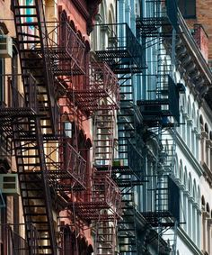 9 Other Reasons To Visit Tribeca - DuJour New York Architecture, Ny Style, Fire Escape, City Aesthetic, City That Never Sleeps, San Francisco, Living In New York, Staten Island, City Life