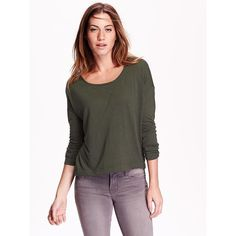 Old Navy Womens Drop Shoulder Hi Lo Tees (€13) ❤ liked on Polyvore featuring tops, t-shirts, green, relaxed fit tee, long sleeve t shirts, boxy top, old navy t shirts and jersey t shirts
