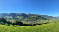"""Die Magie des Wanderns in 3 Dimensionen - Piesendorf Niedernsill präsentieren sich mit dem Wandergütesiegel als zertifizierte """"Österreichische Wanderdörfer"""". #bergevollerschätze #mountainsfulloftreasures #piesendorf #niedernsill Zell Am See, Golf Courses, Best Ski Resorts, Salzburg Austria, Kaprun, Hiking Trails, Ski"""