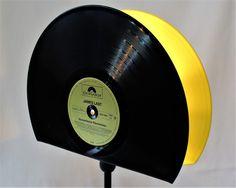 Tischlampen - Tischlampe 2in1 aus Schallplatten, Vinyl Lampe - ein Designerstück von Aurum bei DaWanda