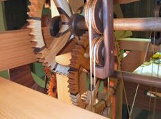Photo Wooden Gear Clock, Wooden Gears, Wood Clocks, Knife Block, Sculptures, Watches, Future, Projects, Art