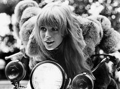 Monday Muse: Marianne Faithfull Inspires Anna Sui   Fashion Trends ...