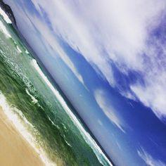 impossível não se apaixonar... beleza que não cansa e não tem fim... #BarradaTijuca #CidadeMaravilhosa #carioquices #amoRiodeJaneiro #paixaopelomar #invernocarioca #instanature #clouds #sky #Brazil #Rio450 #RiodeJaneiro