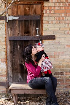"""""""Unforgettable Relationship Photos"""" - 18 photography tips for capturing lasting connections. by Ella Publishing"""