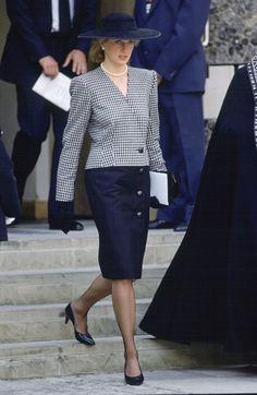 Princess Diana's Best Fashion Moments - Princess Di's Style Timeline