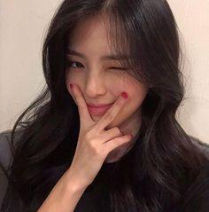 Pretty Korean Girls, Cute Korean Girl, Beautiful Asian Girls, Ulzzang Girl Fashion, Ulzzang Korean Girl, Uzzlang Girl, Girl Face, Korean Girl Photo, Peinados Pin Up