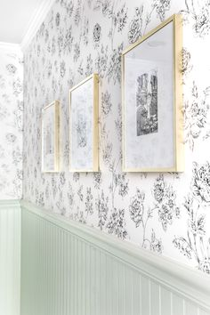 A dated powder room gets a modern meets traditional, urban meets farmhouse makeover with black and white floral wallpaper. Wallpaper Rosa, Trendy Wallpaper, Bathroom Inspiration, Interior Design Inspiration, Bathroom Ideas, Design Ideas, Farmhouse Wallpaper, Gold Rooms, Black And White Wallpaper
