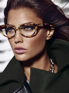 Guess By Marciano # New Glasses, Cat Eye Glasses, Guess By Marciano, Glasses Trends, Lunette Style, Eyewear Trends, Women's Eyewear, Eyeglasses Frames For Women, Fashion Eye Glasses