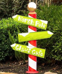 Christmas Porch Decorations, Unique Christmas Decorations, and Christmas Ornaments Whoville Christmas Decorations, Christmas Porch, Christmas Signs, Christmas Holidays, Christmas Ornaments, Diy Weihnachten, Holiday Crafts, North Pole, Woodworking Projects