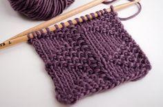 Nous allons apprendre aujourd'hui à tricoter le point triangle qui combine de petits drapeaux de point jersey avec le point de riz.