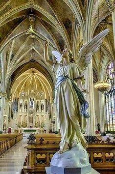 Catholic Art, Roman Catholic, Religious Art, Old Churches, Catholic Churches, I Believe In Angels, Templer, Church Interior, Angel Statues