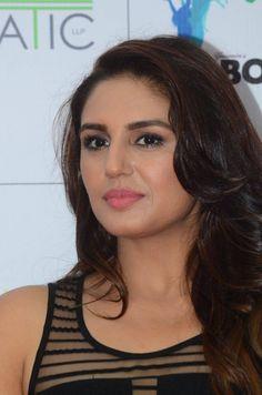 Huma Qureshi Hot Stills In Black Dress Beautiful Girl Indian, Most Beautiful Indian Actress, Beautiful Girl Image, Most Beautiful Women, Beautiful Bollywood Actress, Beautiful Actresses, Beauty Full Girl, Beauty Women, Beauty Art